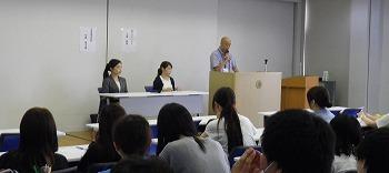 卒業生の講演①.jpg